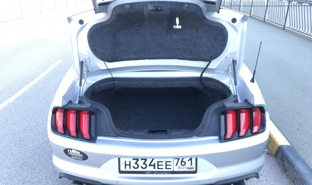 Аренда Ford Mustang New Кабриолет в Крыму