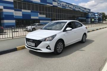 Прокат Hyundai Solaris New 2021 белый/черный/серый